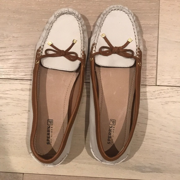 Sperry Womens Katherine Shoes Ivory and Cognac